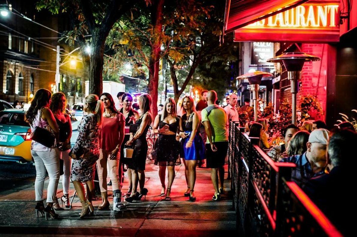 Einige der angesagtesten Orte des Torontoer Nachtlebens befinden sich auf der King Street im Viertel King …