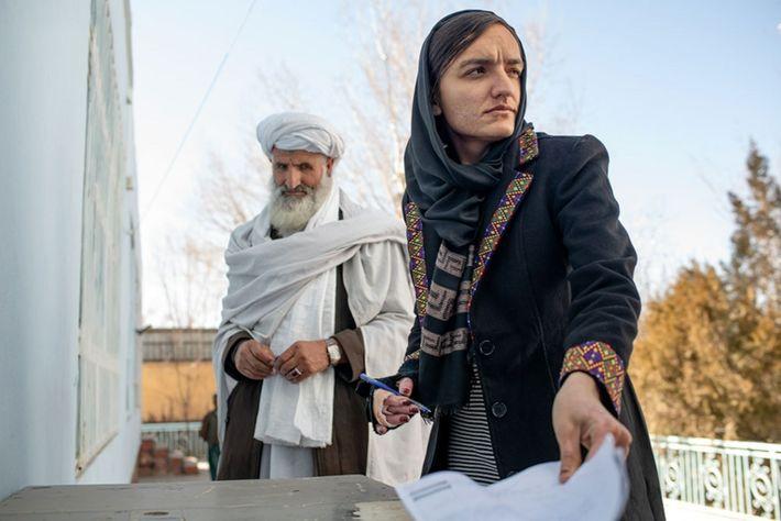 Zarifa Ghafari, eine der ersten Bürgermeisterinnen in Afghanistan. Die 29-Jährige konnte nicht rechtzeitig fliehen, bevor die ...