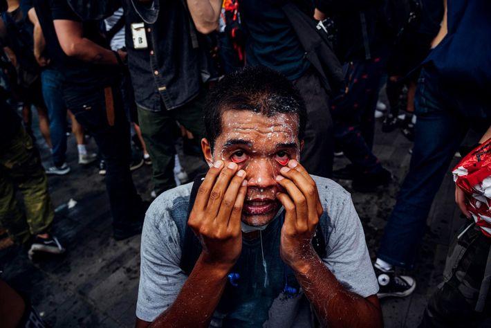 Nachdem das New York Police Department während eines Protests am 29. Mai 2020 Tränengas eingesetzt hat, ...
