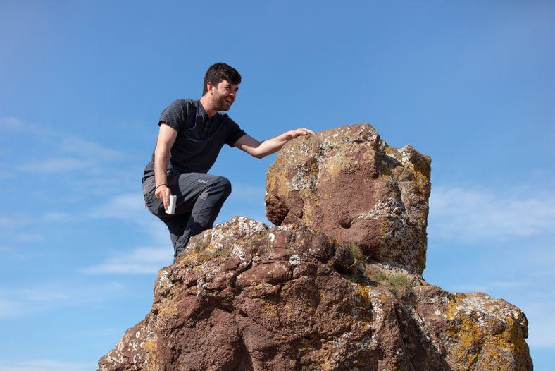 National Geographic Fotograf Robert Ormerod geht in Position, um unglaubliche Momente mit der Canon PowerShot ZOOM ...