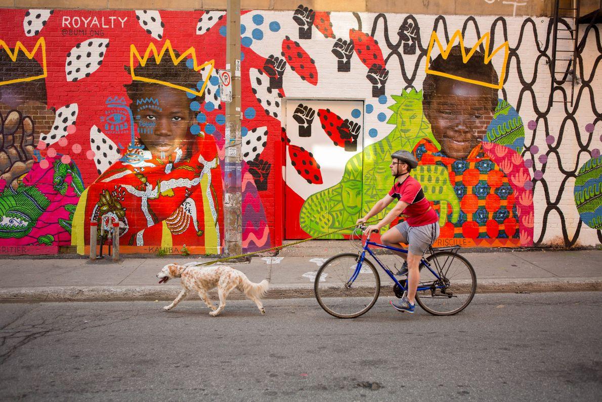 Egal, in welches Stadtviertel es Besucher verschlägt – überall können sie farbenfrohe und spektakuläre Wandbilder bewundern.