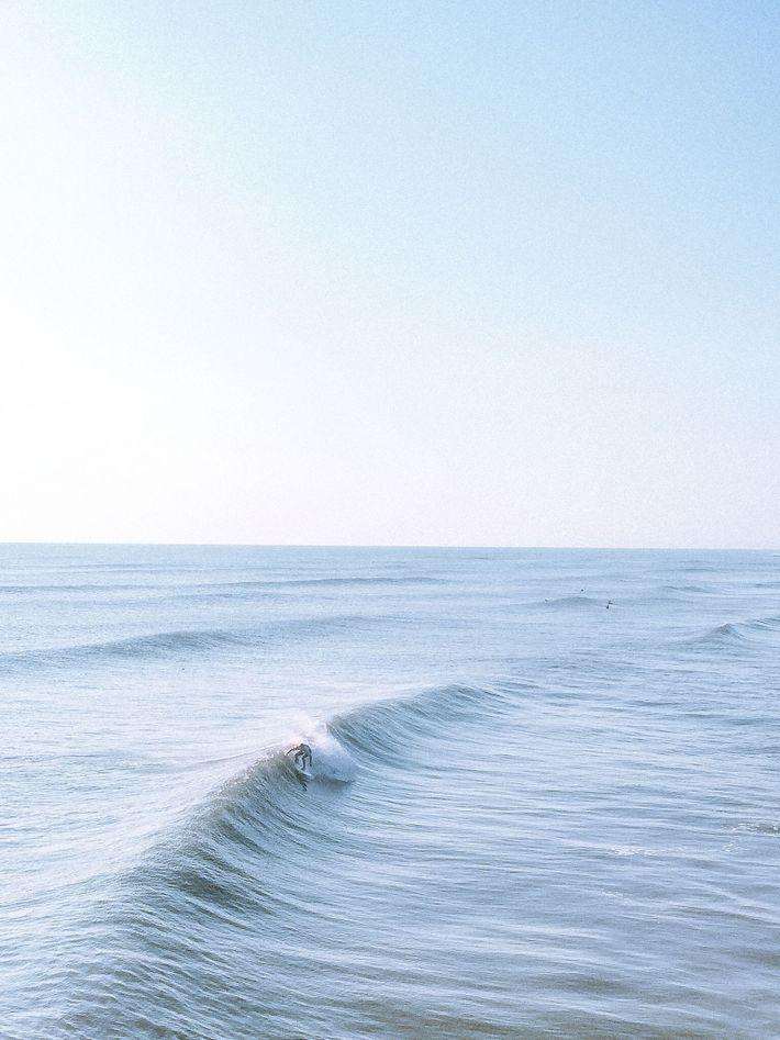 Die Outer Banks sind an der Ostküste ein beliebtes Ausflugsziel für Surfer und für ihre steilen ...