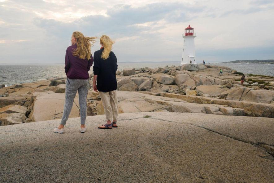 Peggy's Point Lighthouse ist einer der bekanntesten Leuchttürme auf der Lighthouse Route Nova Scotias.