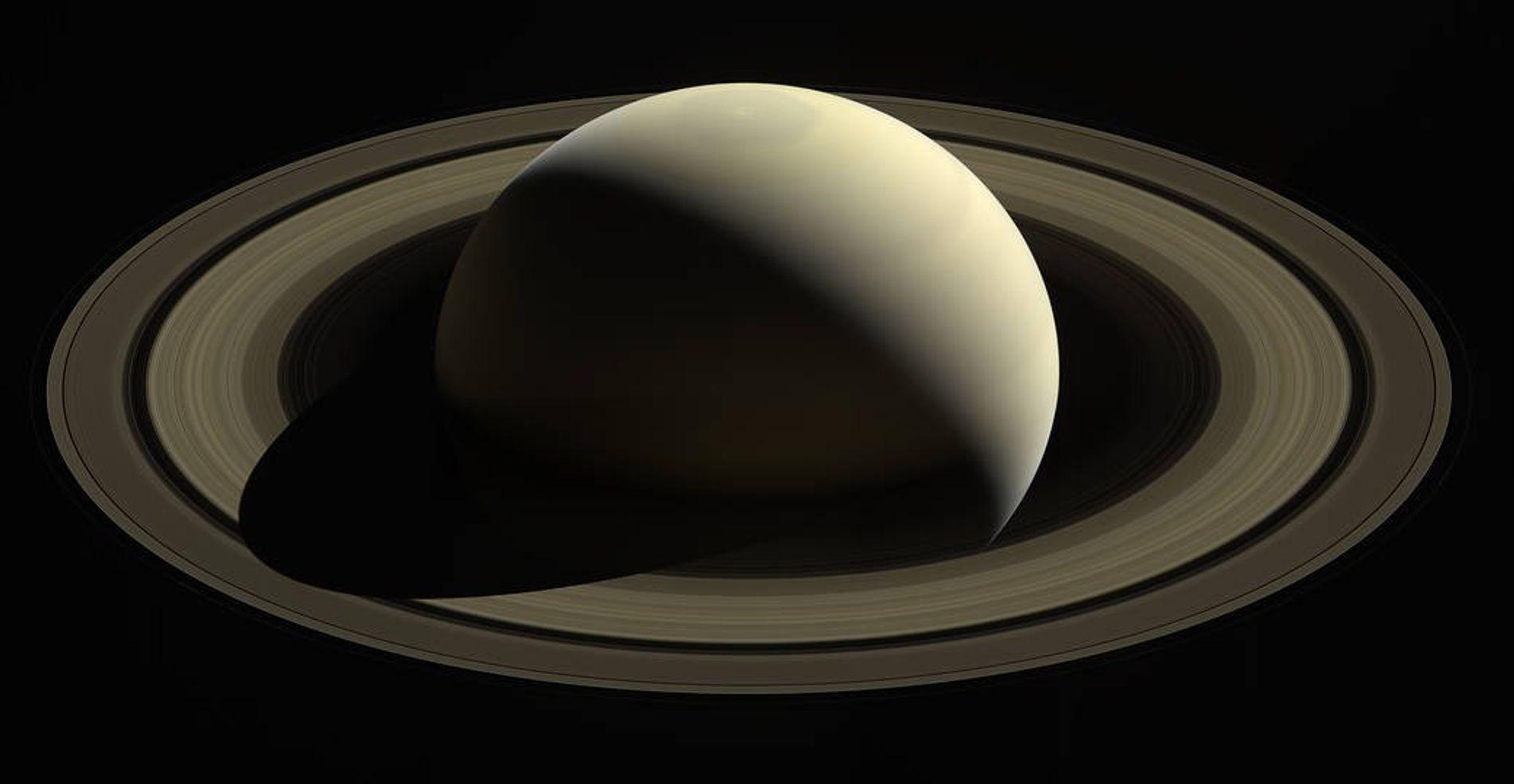 Im Oktober 2016 erhaschte die NASA-Raumsonde Cassini ihre letzten Blicke auf den Saturn und seine Ringe. ...