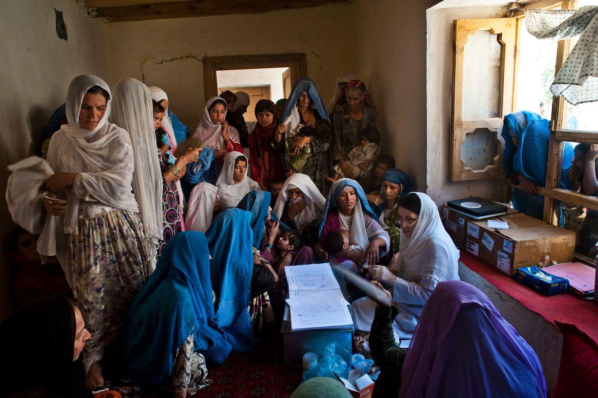 Gesundheitskurs in einem abgelegenen afghanischen Dorf