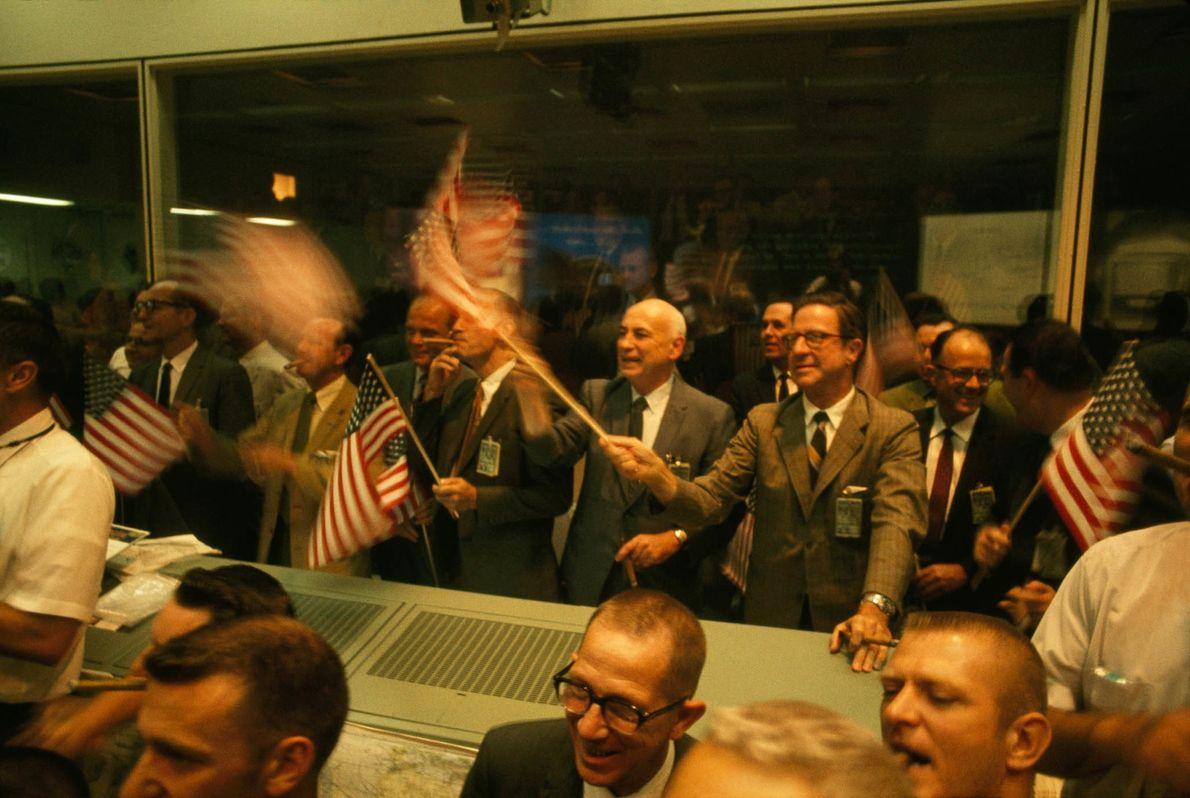 NASA feiert die sichere Landung der Apollo-11-Astronauten auf der Erde