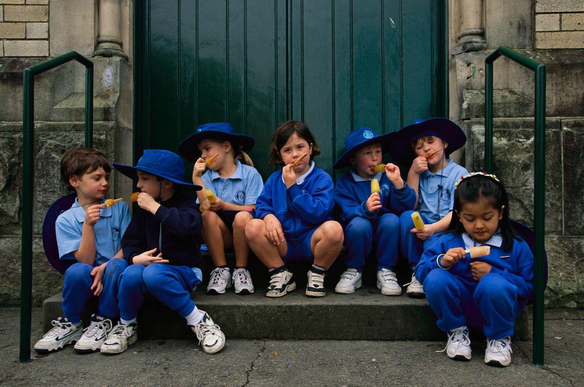 Schulkinder beim Eisessen in Sydney