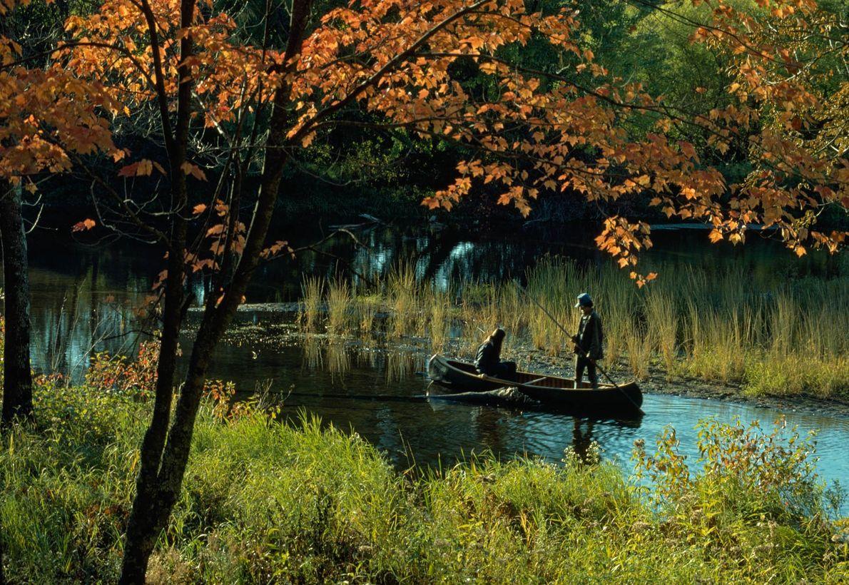 Zwei Ojibwa auf dem St. Croix River