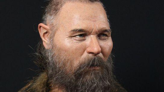 Das Schädelbruchstück, mit dem das Gesicht dieses Mannes rekonstruiert wurde, wurde um 6000 v. Chr. zusammen ...
