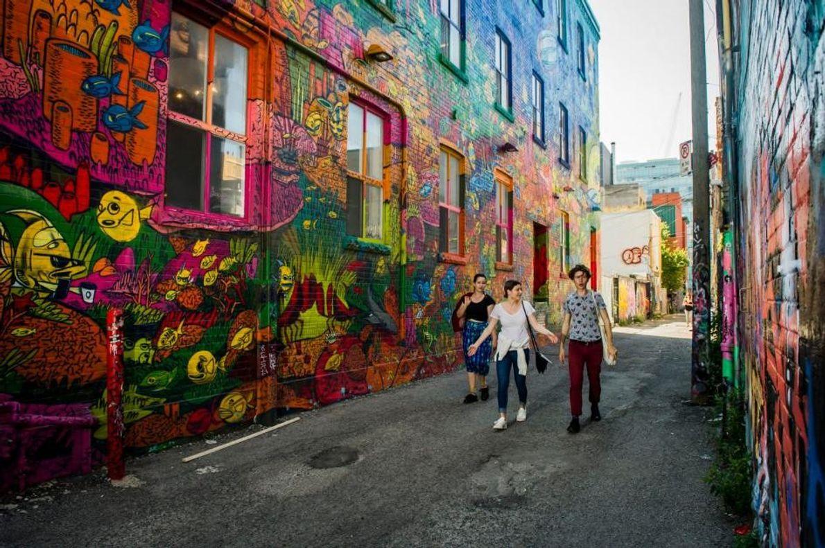 Die Wände der Queen Street West wurden von den Graffitikünstlern der Stadt verschönert.
