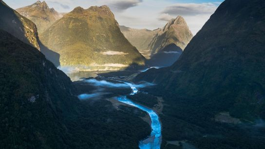 Das geologische Wunderland Neuseeland, hier der Fjordland-Nationalpark, ist nur ein kleiner Teil des möglicherweise achten Kontinents ...
