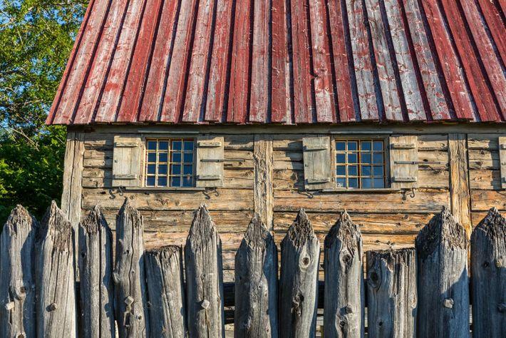 Eine Sehenswürdigkeit, die sich Besucher in Tadoussac nicht entgehen lassen sollten, ist eine Nachbildung von Kanadas ...