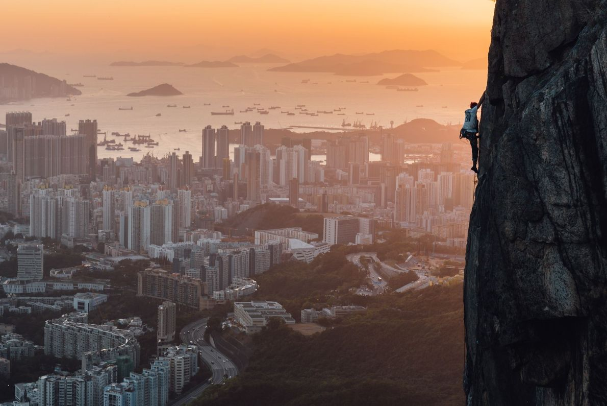 Mitten in Hong Kong können sich Kletterer am Lion Rock austoben