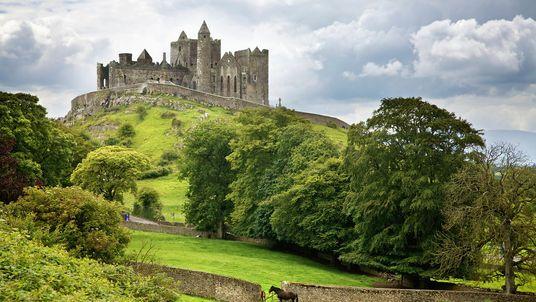 Entdeckt vergangene Zeiten in Irlands altem Osten