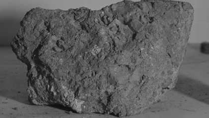 Ältester Gesteinsbrocken der Erde entdeckt – auf dem Mond