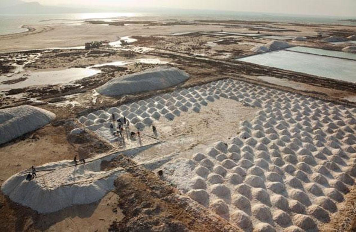 Salzverarbeitung am Lake Afrera