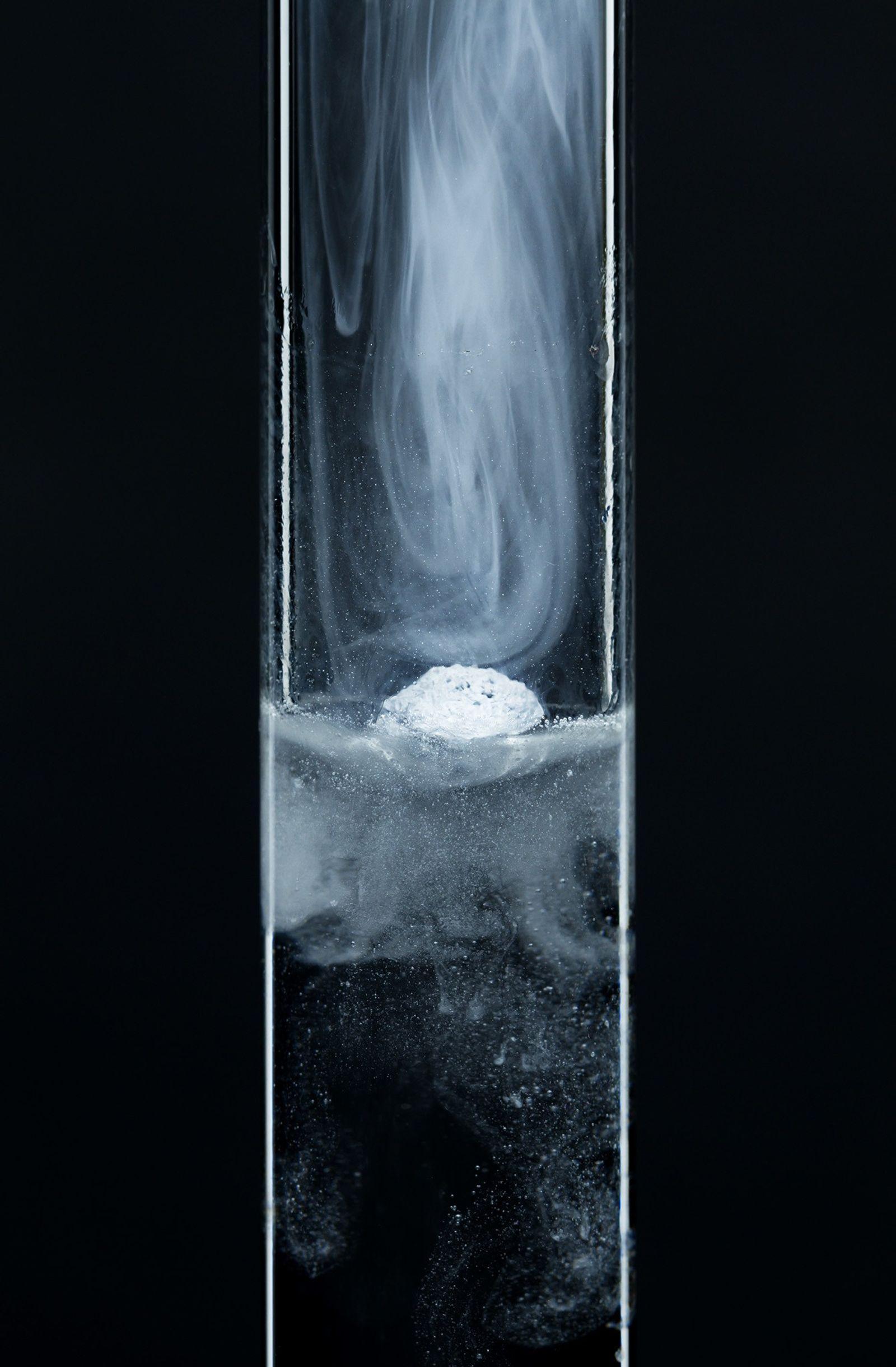 Neuer Aggregatzustand: Materie ist gleichzeitig fest und flüssig