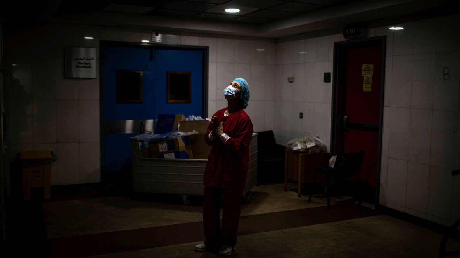 Während die Pandemie weiterhin weltweit wütet, könnten Impfkampagnen und eine genaue Überwachung des Virus COVID-19 irgendwann ...