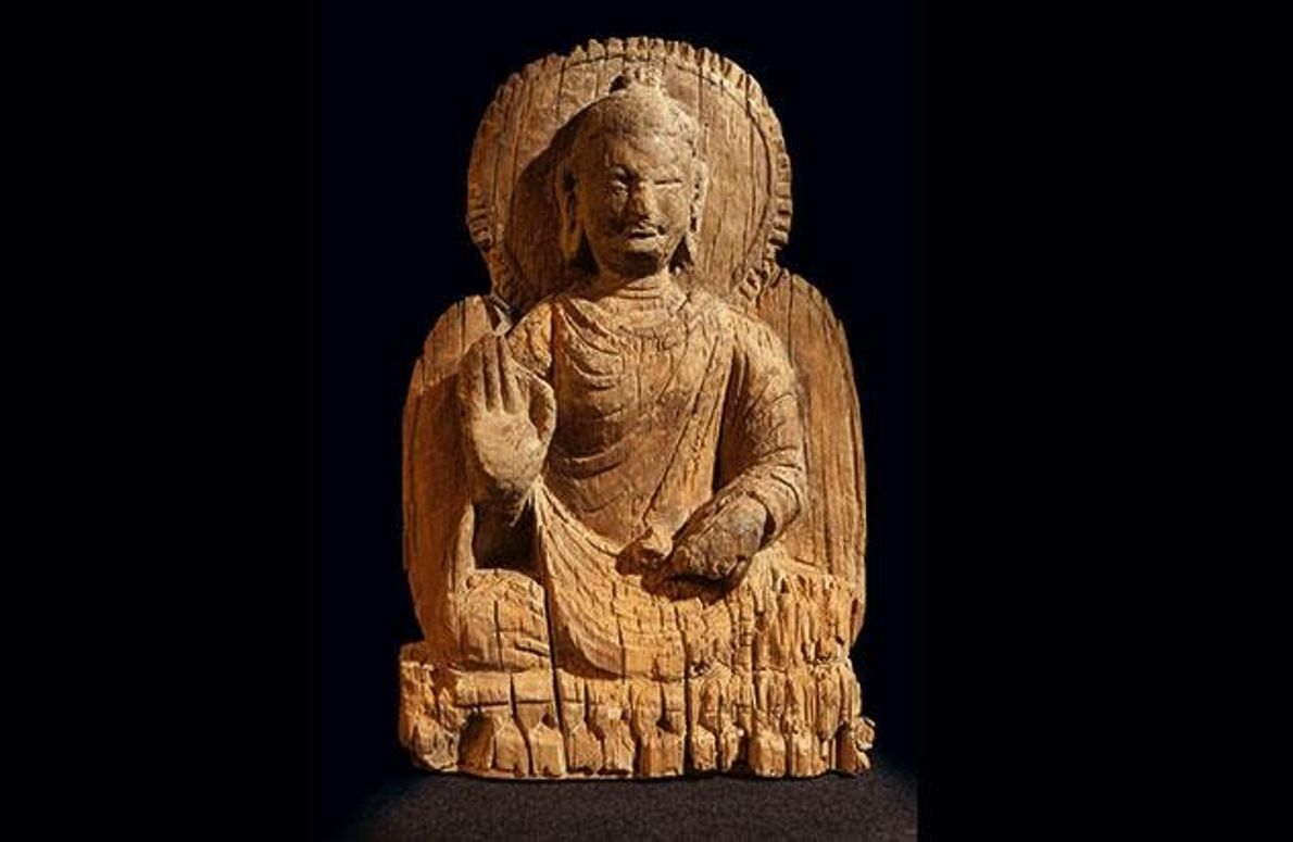 Seltener Buddha aus Holz