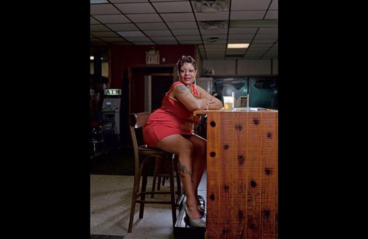 """Shervette Michelle Standford hat ihren 46. Geburtstag hier im Jazzklub """"Bert's Market Place"""" in Eastern Market …"""