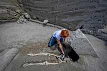 Als der Leichnam des Opfers in Pompeji entdeckt wurde, vermuteten Archäologen zunächst, dass er während des ...