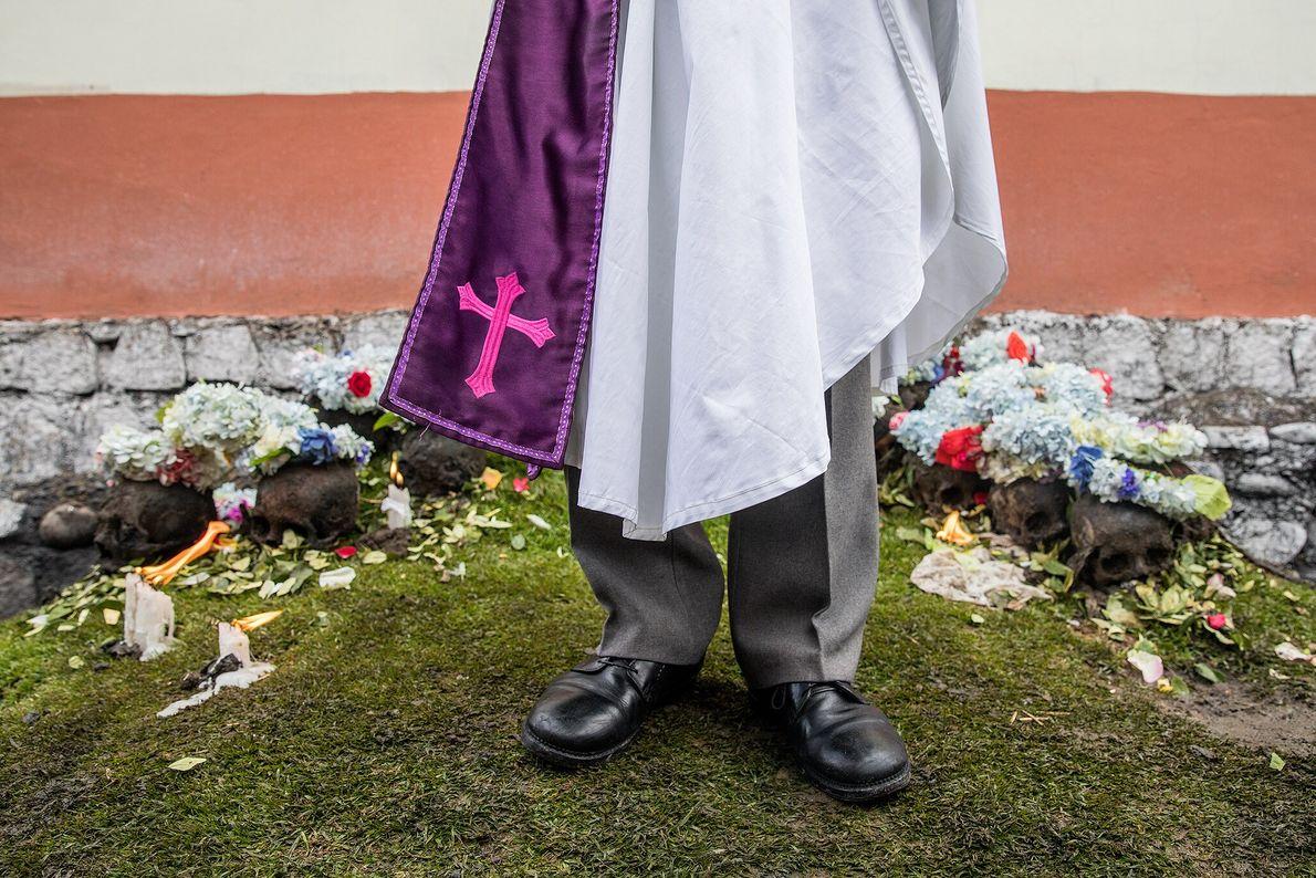 Hernan Aguilove Espinoza ist ein Mitglied einer nationalen bolivianischen Sekte, die sich vom römischen Katholizismus losgesagt ...