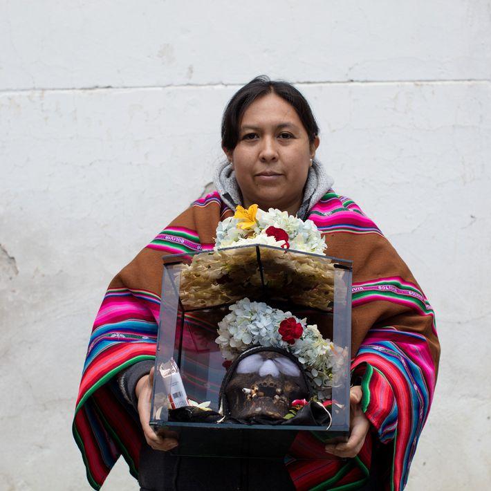 Jenny Montes am Día de las Ñatitas