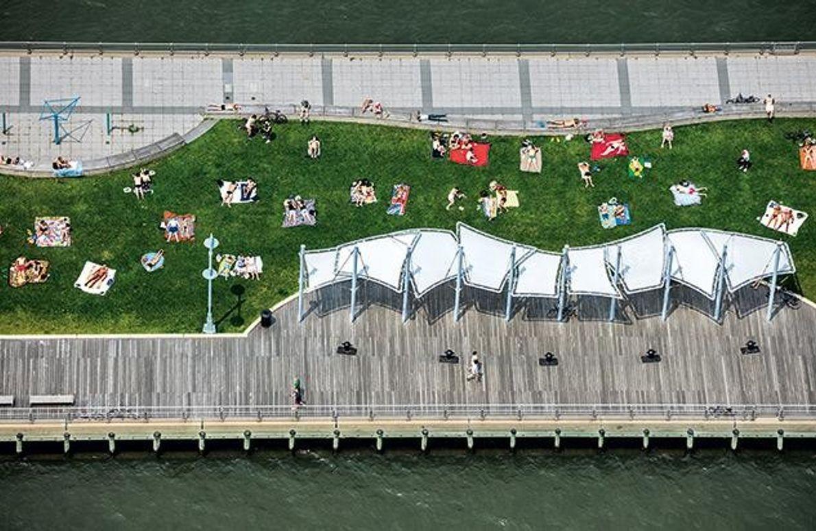 Sonnenbaden am Pier 45