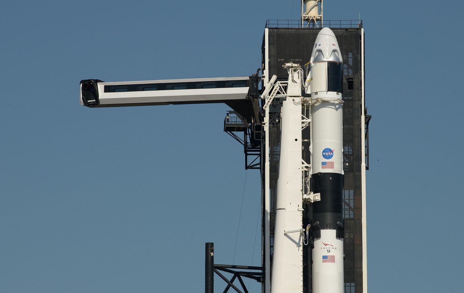 NASA & SpaceX: Die erste kommerzielle Raumfahrt hebt ab