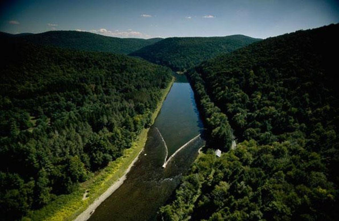 Steindamm im Delaware River
