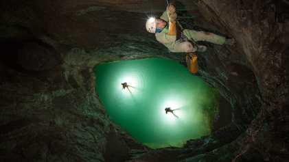 Unterirdische Flutwelle: Höhlenforscher klettern um ihr Leben