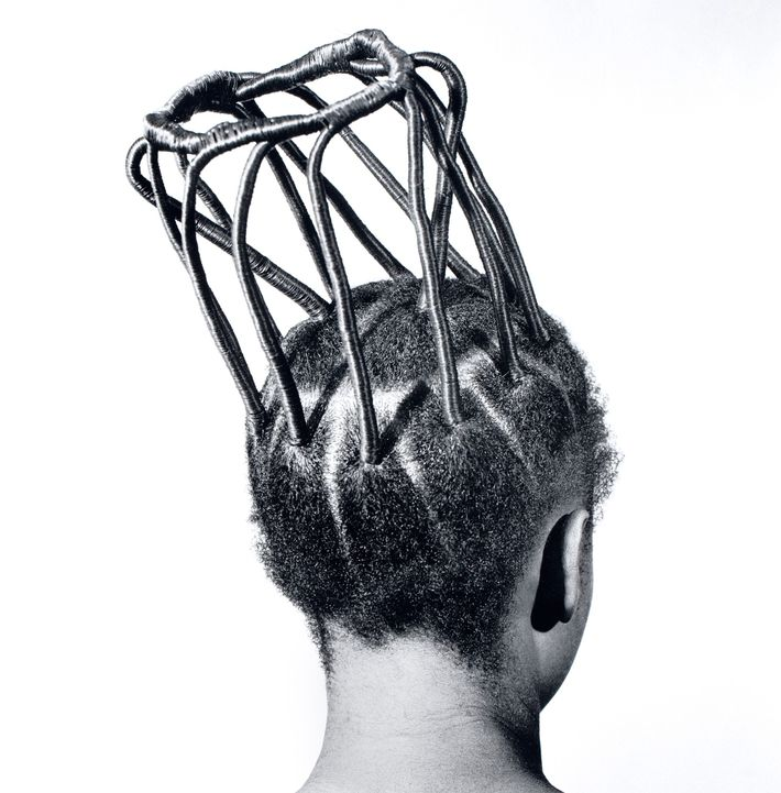 Onile Gogoro: Frau mit extravaganter Frisur
