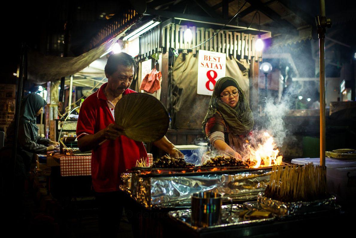 Der Telok Ayer Market, auch bekannt als Lau Pa Sat, ist seit mehr als einem Jahrhundert ...