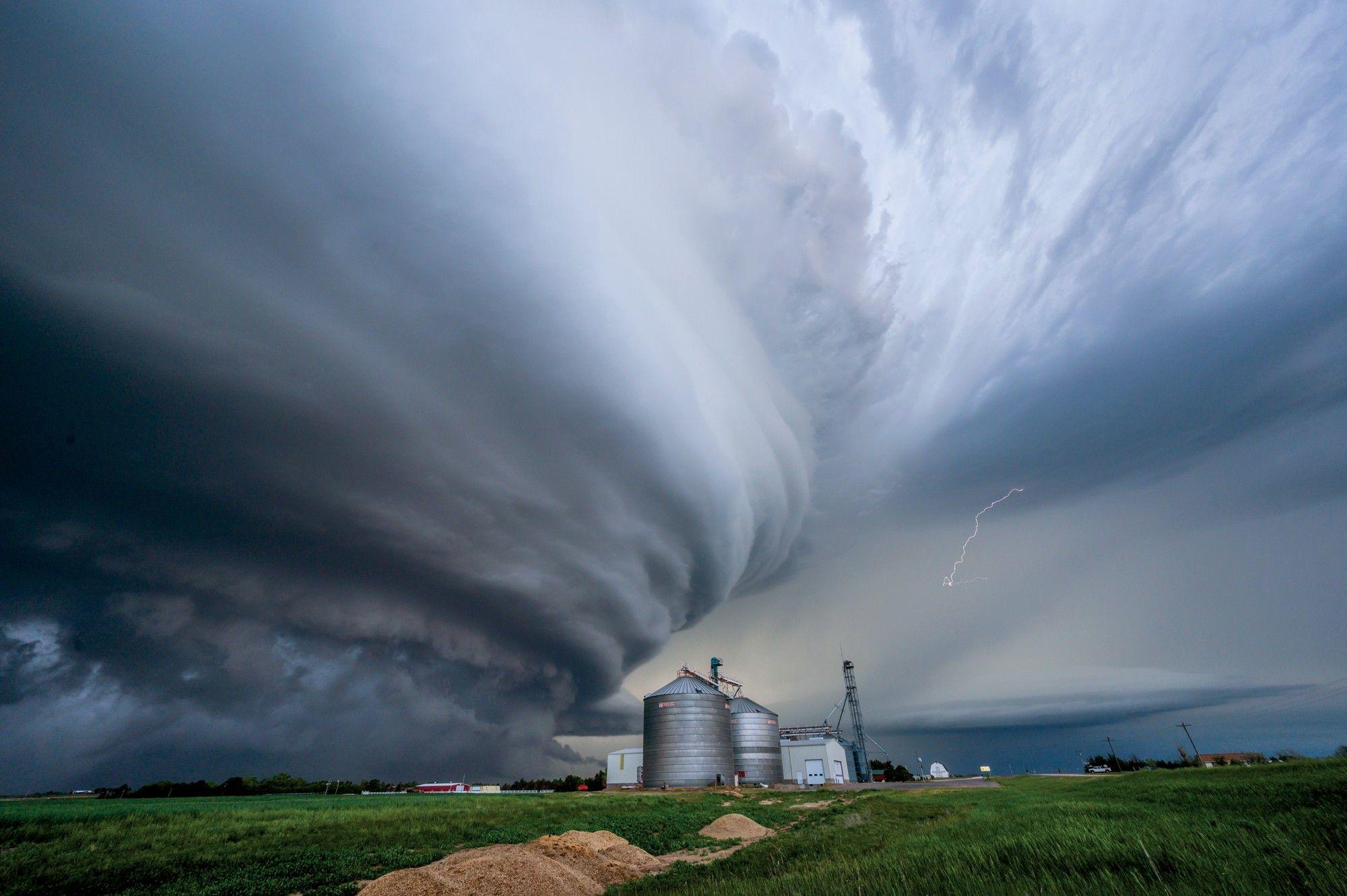 Himmel und Hölle: Unterwegs mit Sturmjägern