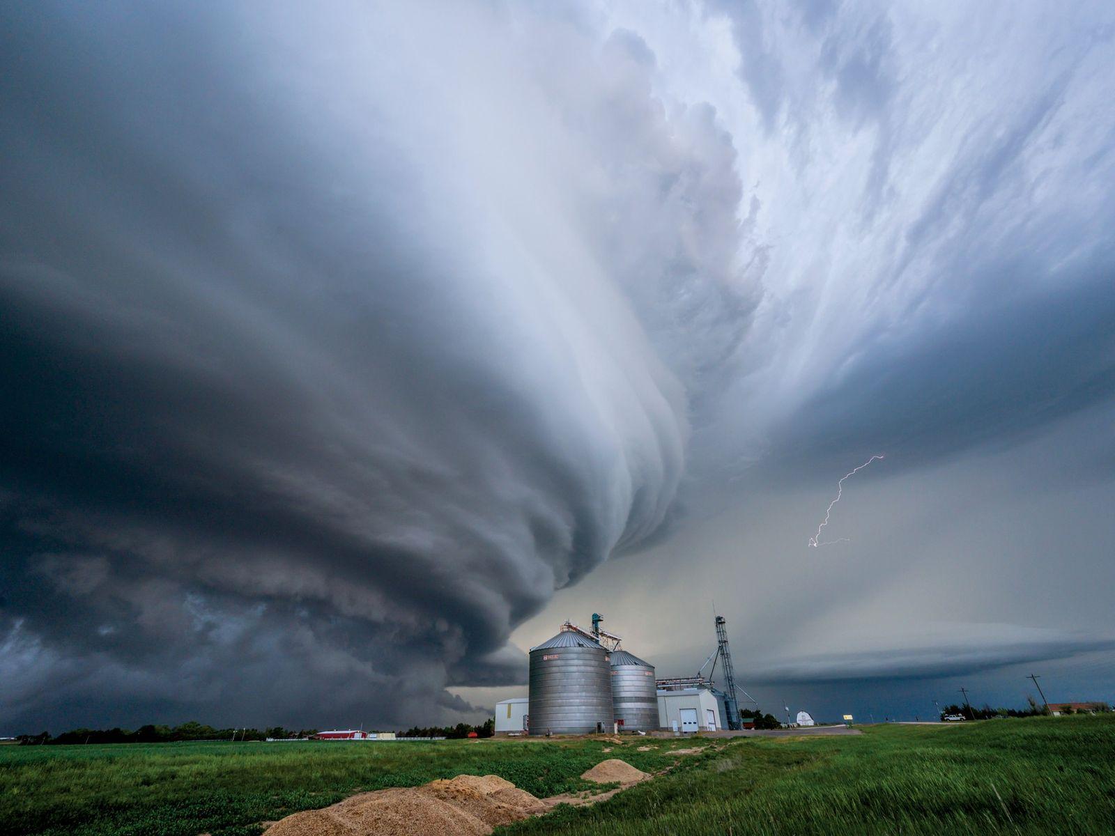 Sturmjäger verfolgen ein Gewitter oft stundenlang.