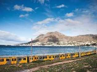 """Die """"Southern Line"""" verbindet Kapstadt seit 1890 mit der Vorstadt Simon's Town."""