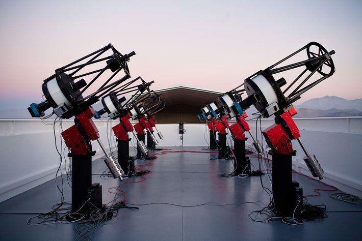 Das MEarth South Telescope Array