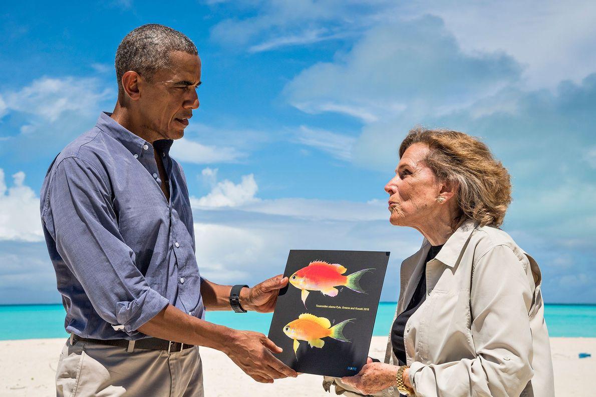 Im September 2016 traf Präsident Barack Obama Earle auf dem Midway-Atoll bei einem Festakt zu seiner ...