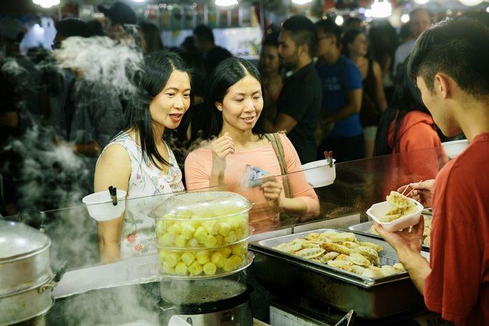 Dim Sum auf dem Richmond Night Market, River Road.