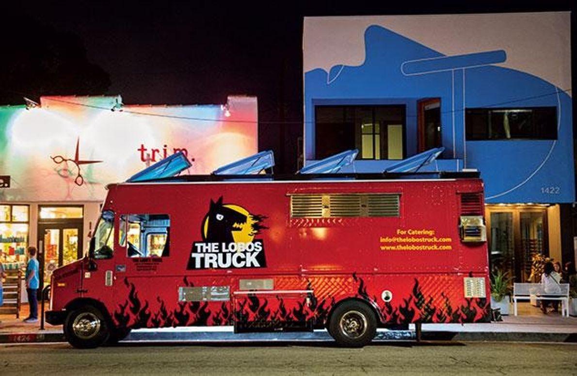 The-Lobos-Truck serviert beispielsweise typisch amerikanische Küche wie Burger oder Käse-Maccaroni.