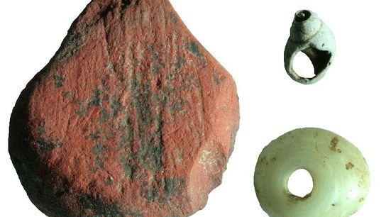In der Ausgrabungsstätte Fa-Hien Lena wurden mitten im Regenwald Sri Lankas unter anderem Perlen aus rotem ...