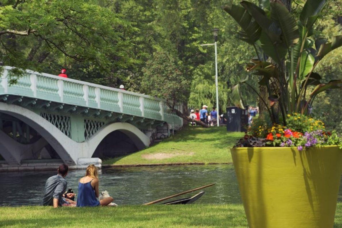Der Toronto Island Park ist von der Innenstadt aus in 13 Minuten mit der Fähre zu ...