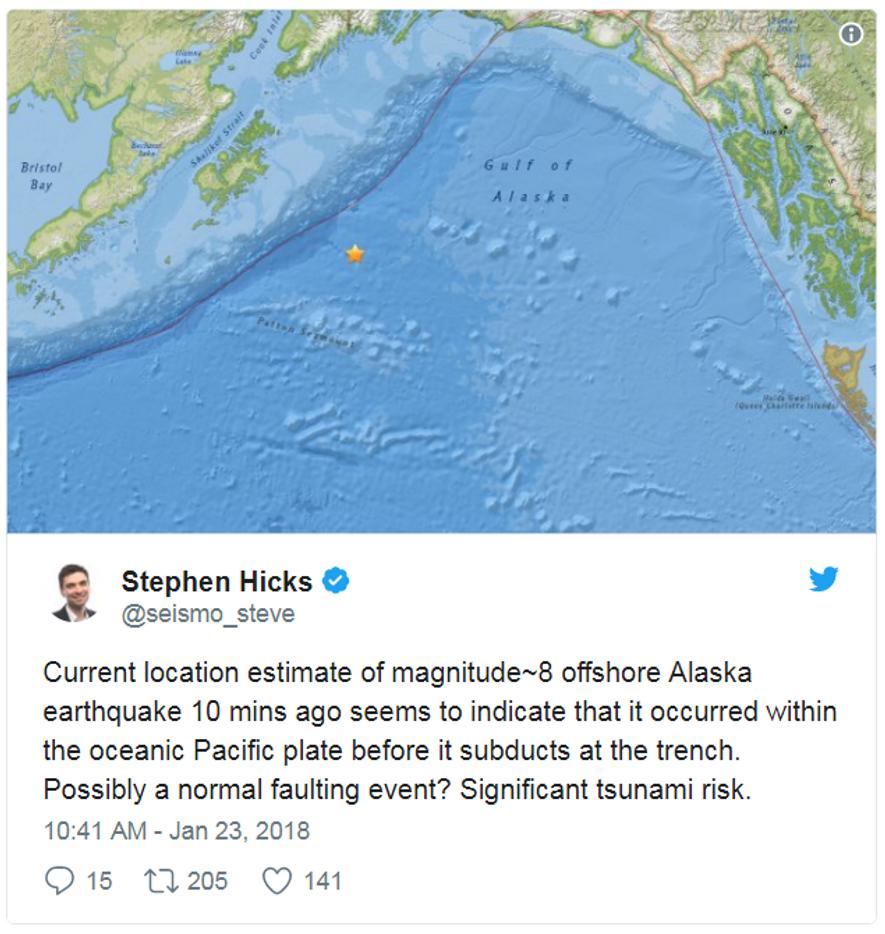 Der Seismologe Stephen Hicks informierte zehn Minuten nach dem Erdbeben auf Twitter darüber, dass die Gefahr eines Tsunamis besteht.