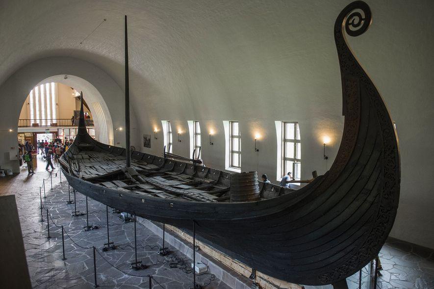 """Sarg auf Wikingerart: Vergrabenes Schiff ist """"Jahrhundertfund"""""""