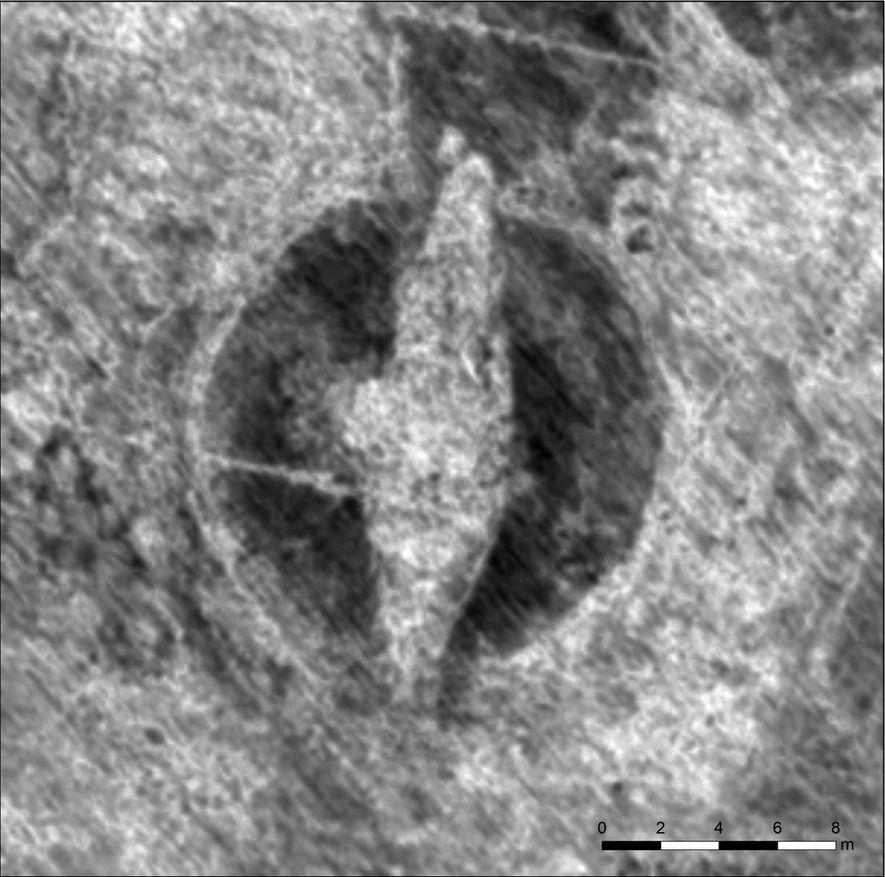 Ein Bild aus den Bodenradarscans offenbart die Umrisse eines Wikingerschiffs in einem Grabhügel.