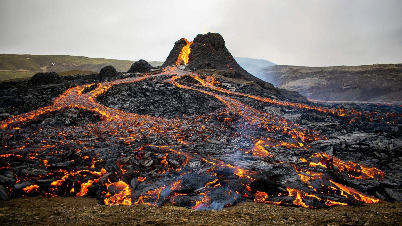 Vulkan in Geldingadalur auf der isländischen Halbinsel Reykjanes