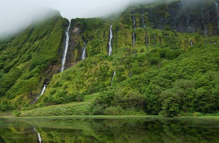 Der Lagoa dos Patos auf der Insel Flores