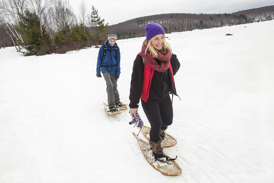 Auf Schneeschuhen führt der Weg zu wunderschönen Orten, die nur so zu erreichen sind. Ein Tagesausflug ...