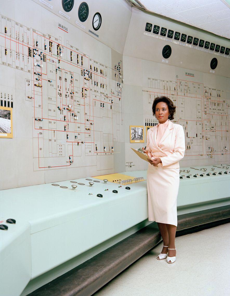 """Die 1933 in Binghams, Alabama, geborene Annie Easley begann ihre NASA-Karriere Anfang 20 als """"menschlicher Computer"""". ..."""