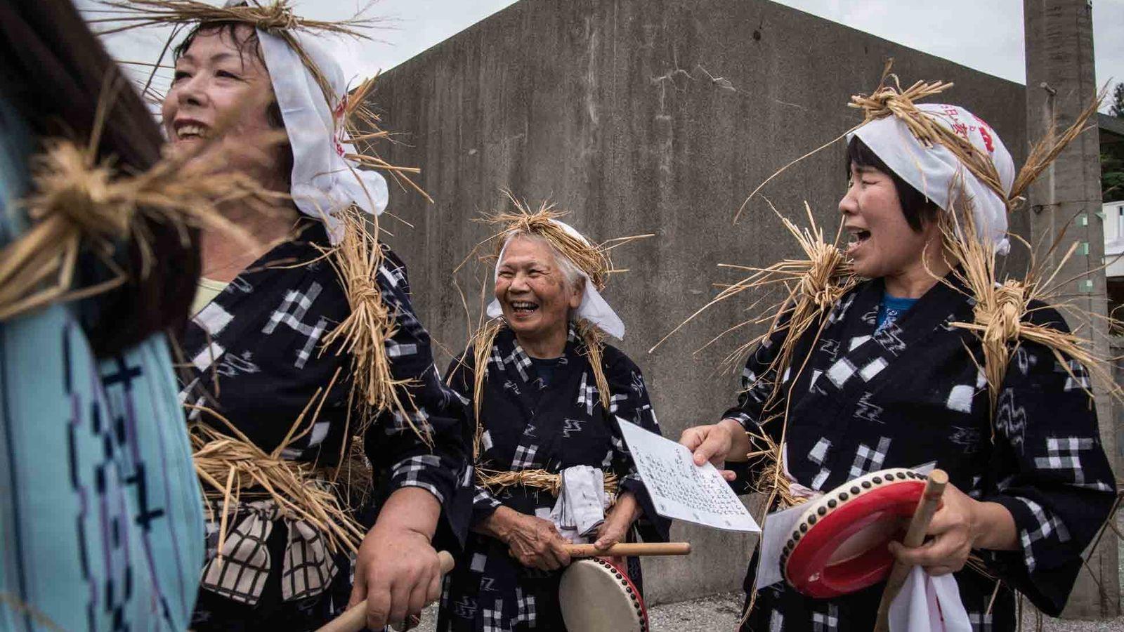 Ein Faktor, der zum langen Leben in Ogimi beiträgt: die Gemeinschaft. Die Bewohner genießen ein aktives ...